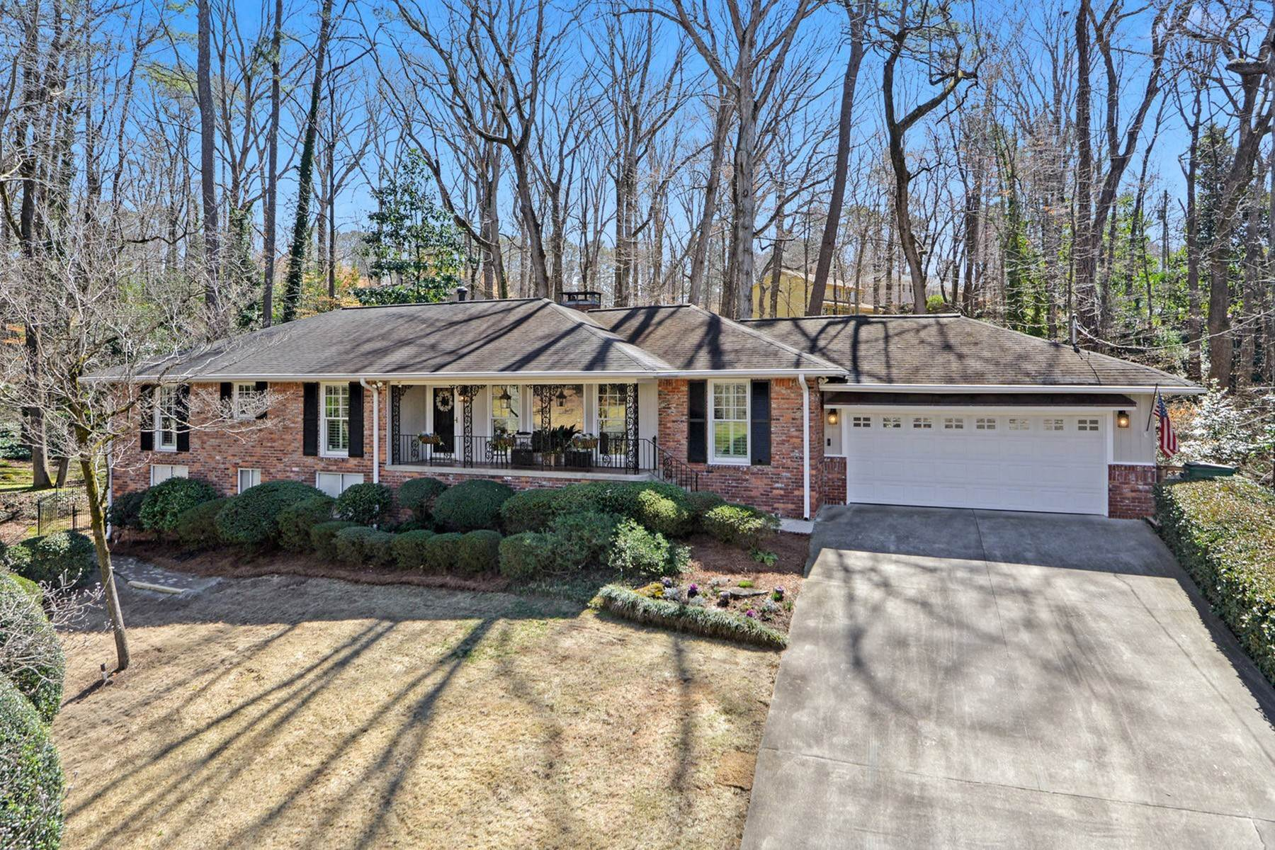 Single Family Homes for Sale at Pristine Brick Ranch in Sought-After Wyndaham Hills 70 Landsdowne Drive Atlanta, Georgia 30328 United States