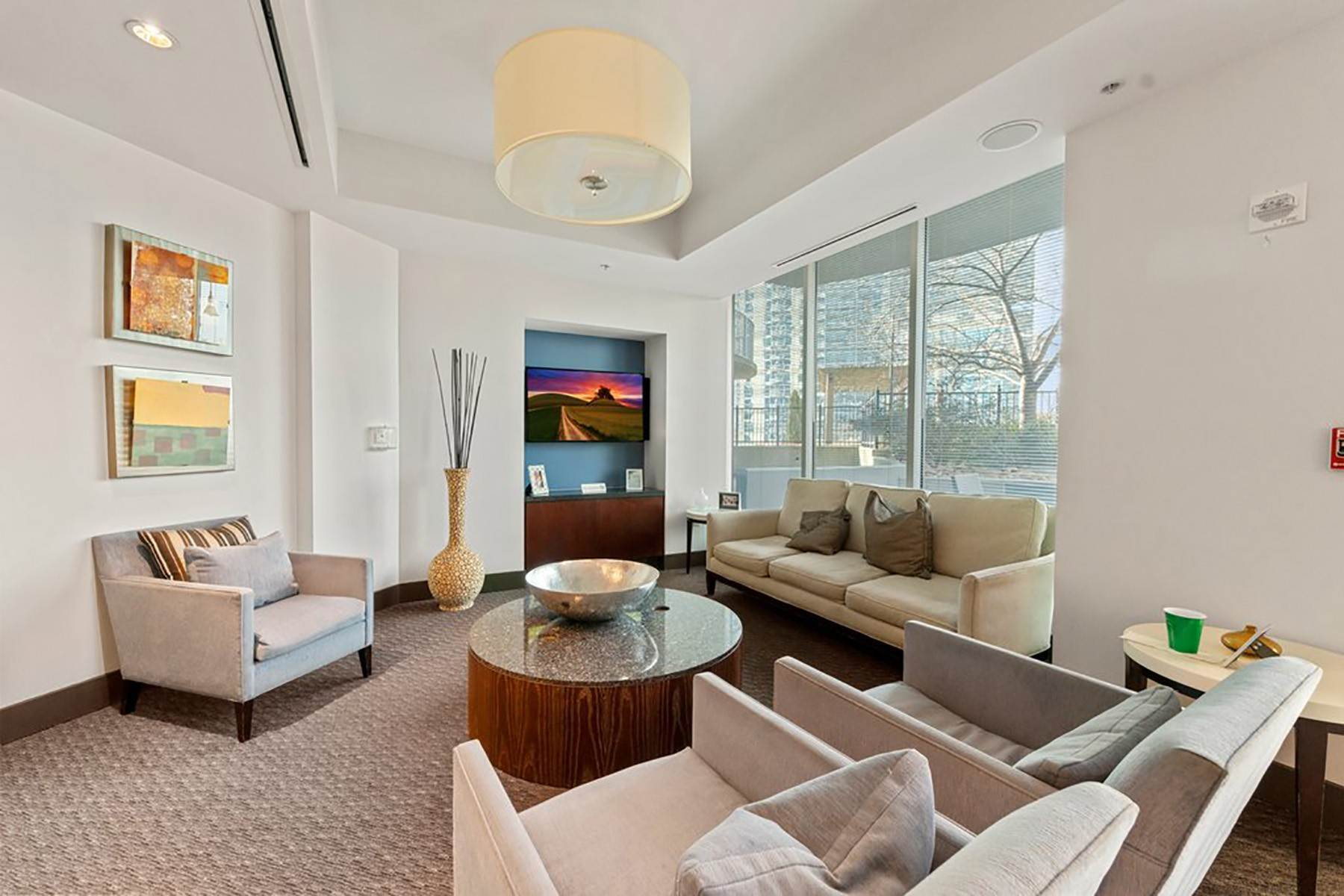 27. Condominiums for Sale at Sweeping South Facing Views From The 31st Floor of Twelve Centennial Park! 400 West Peachtree Street, 3107 Atlanta, Georgia 30308 United States