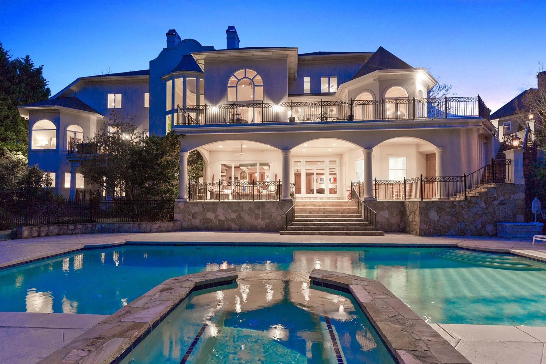 Single Family Homes のために 売買 アット Extraordinary Country Club of the South Jack Nicklaus Golf Course Family Estate 1235 Stuart Ridge Alpharetta, ジョージア 30022 アメリカ
