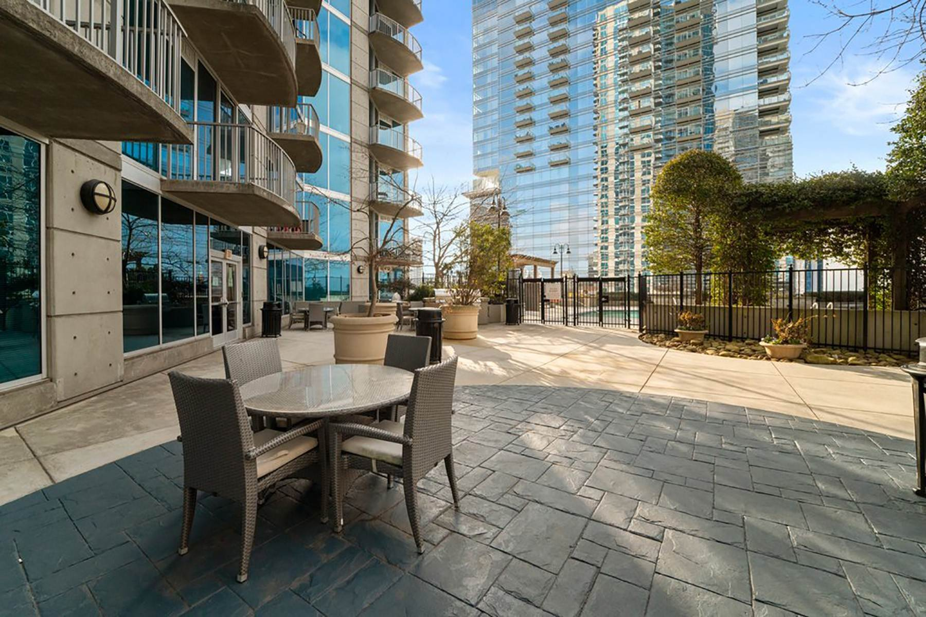 21. Condominiums for Sale at Sweeping South Facing Views From The 31st Floor of Twelve Centennial Park! 400 West Peachtree Street, 3107 Atlanta, Georgia 30308 United States