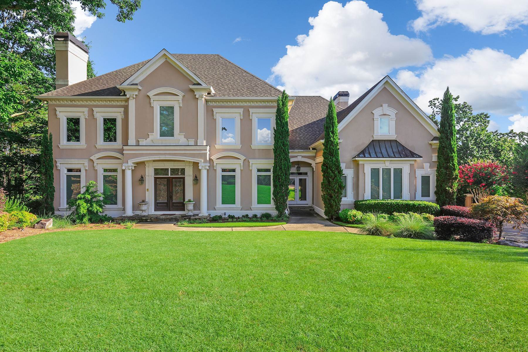 Single Family Homes のために 売買 アット Magnificent Country Club Home with Panoramic Views and an Award Winning Wine Cel 1045 Leadenhall Street Johns Creek, ジョージア 30022 アメリカ