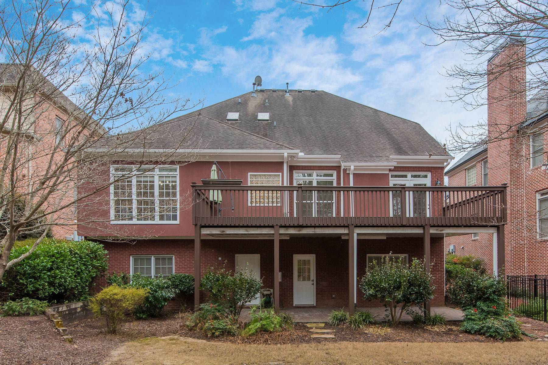 49. Single Family Homes for Sale at Brookhaven Culdesac Gem on the Park 994 Nottingham Lane NE Brookhaven, Georgia 30319 United States