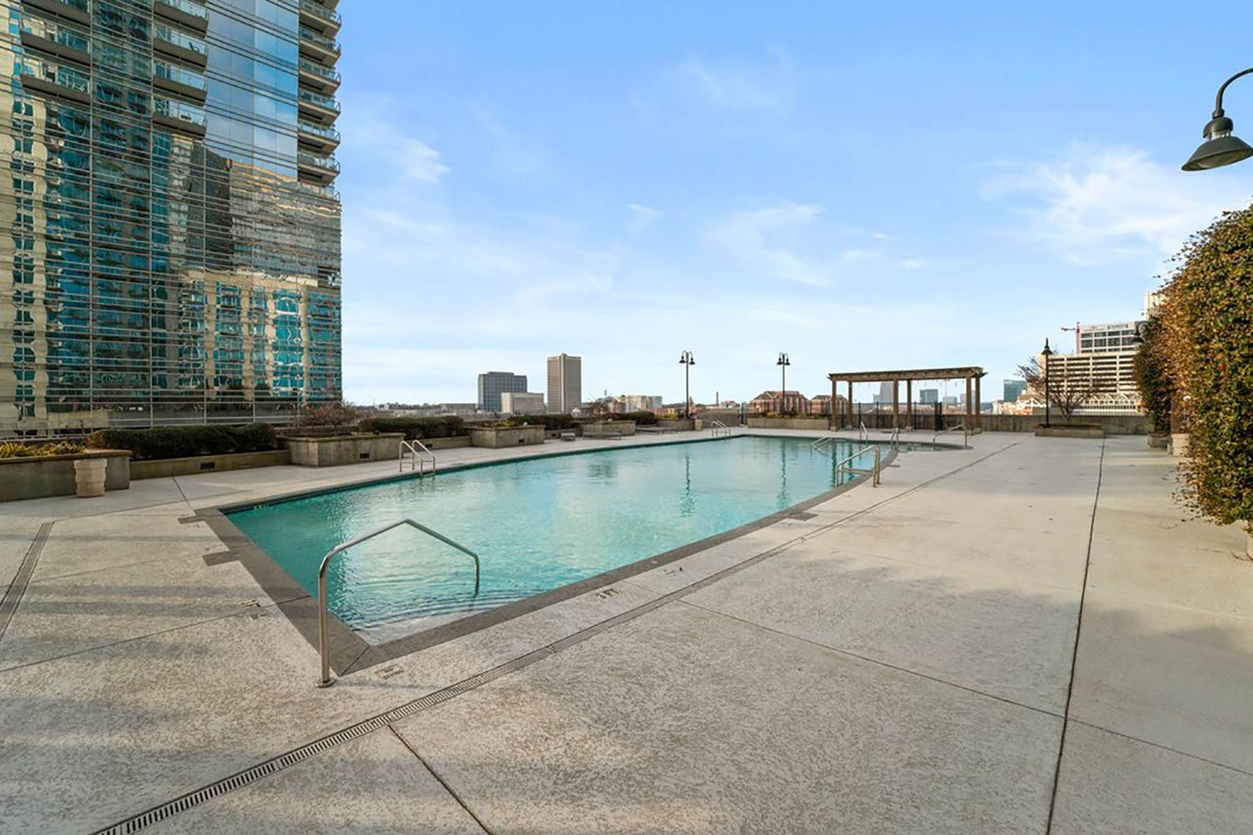 19. Condominiums for Sale at Sweeping South Facing Views From The 31st Floor of Twelve Centennial Park! 400 West Peachtree Street, 3107 Atlanta, Georgia 30308 United States