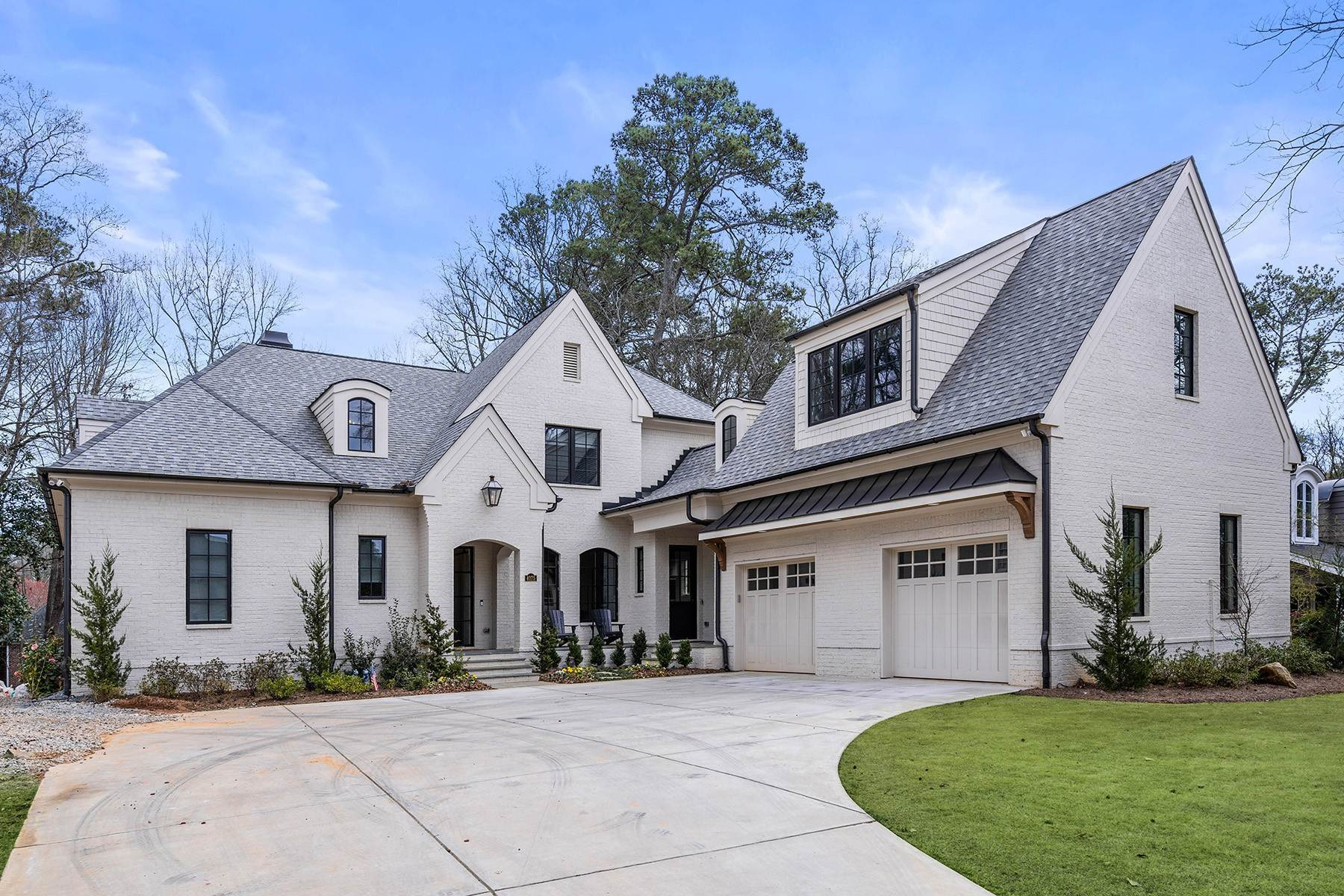 Single Family Homes for Sale at Luxury and Modern Living in Custom Designed Historic Brookhaven Home 4075 Peachtree Dunwoody Road NE Atlanta, Georgia 30319 United States