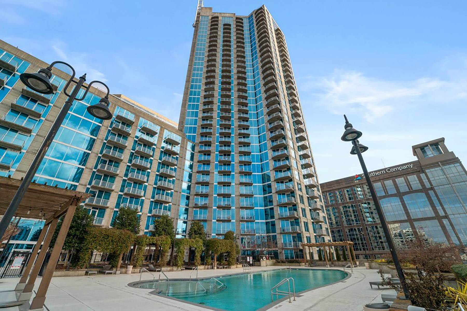 Condominiums em Sweeping South Facing Views From The 31st Floor of Twelve Centennial Park! 400 W Peachtree Street, No. 3107 Atlanta, Geórgia 30308 Estados Unidos