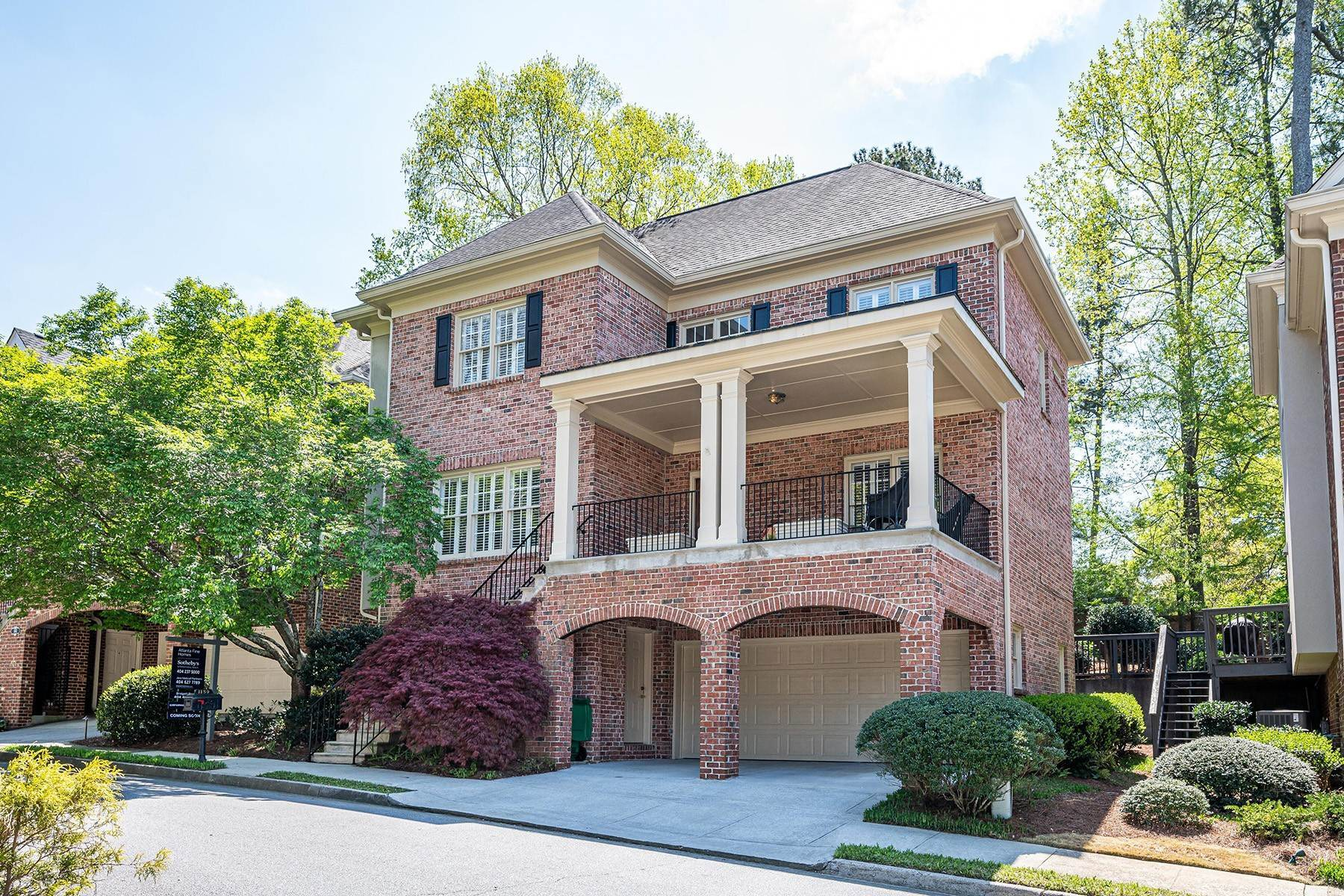 Single Family Homes for Sale at Fresh and Spacious 3 Level Home in a Quiet Neighborhood 1139 Fairway Gardens NE Brookhaven, Georgia 30319 United States