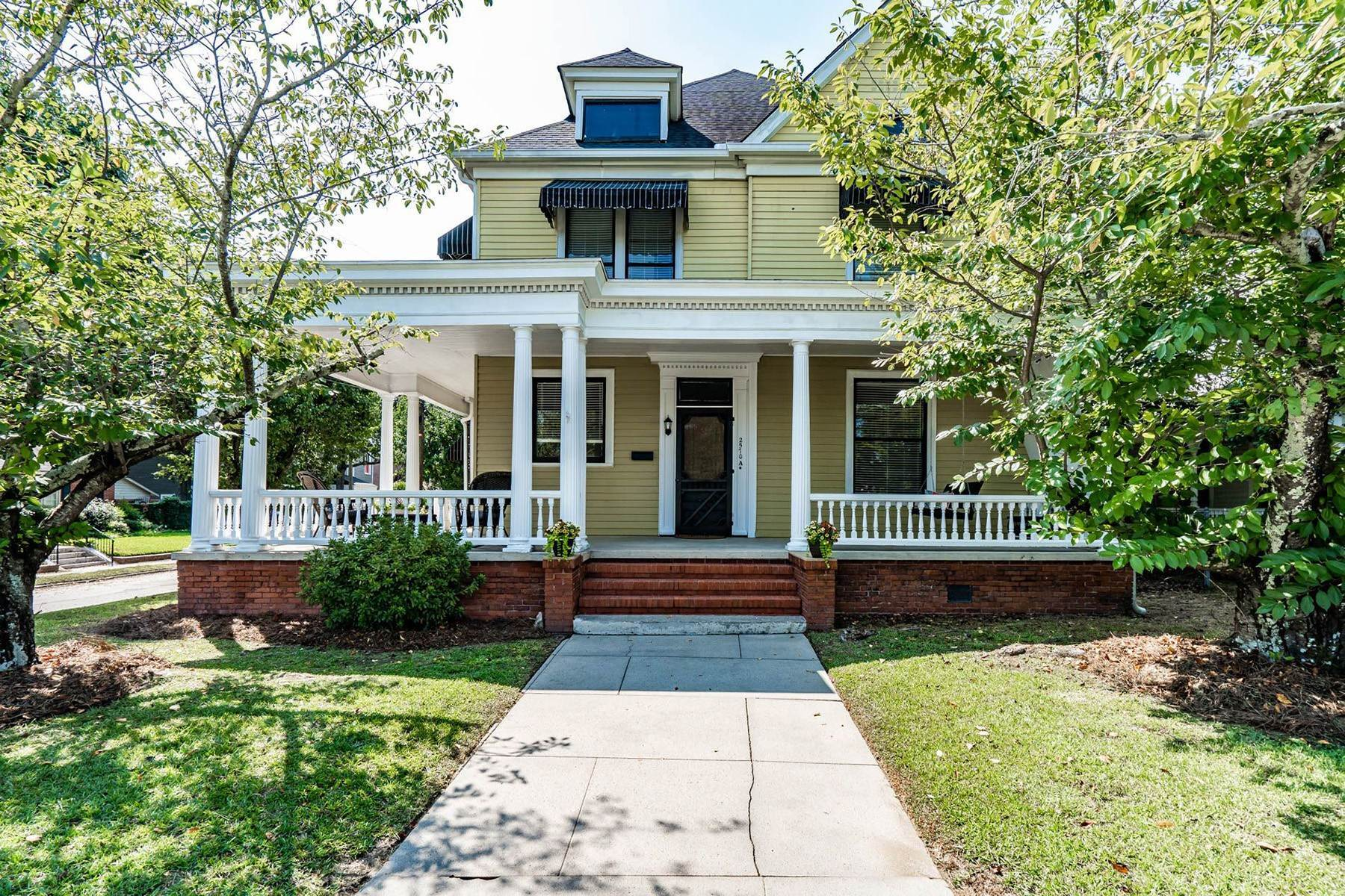 Property at Charming Oversized One Bedroom in the Historic Vineville Neighborhood 2570 Vineville Avenue Unit #A Macon, Georgia 31204 United States