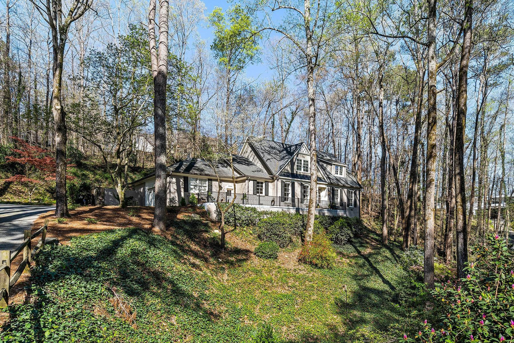 2. Single Family Homes for Sale at Fabulous Updated and Expanded Home Near Chastain Park 4944 Carol Lane Atlanta, Georgia 30327 United States